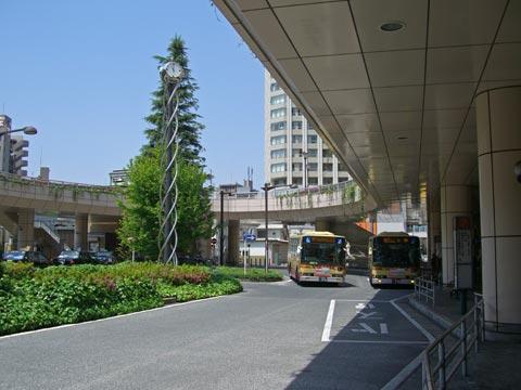 JR・京王橋本駅北口前