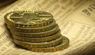 金貨とお札