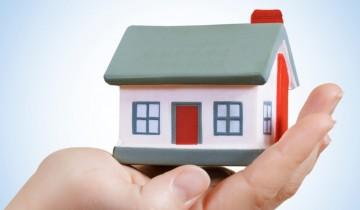 掌の上の家の模型
