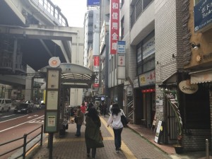 駅前通りの雰囲気