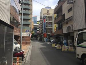 東口の裏通り