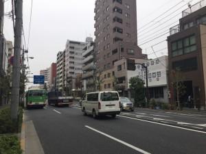 東側の大通り