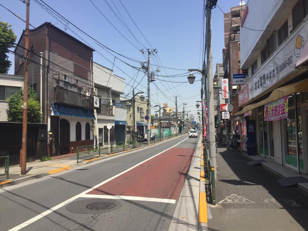 古めの建物が多い街並み