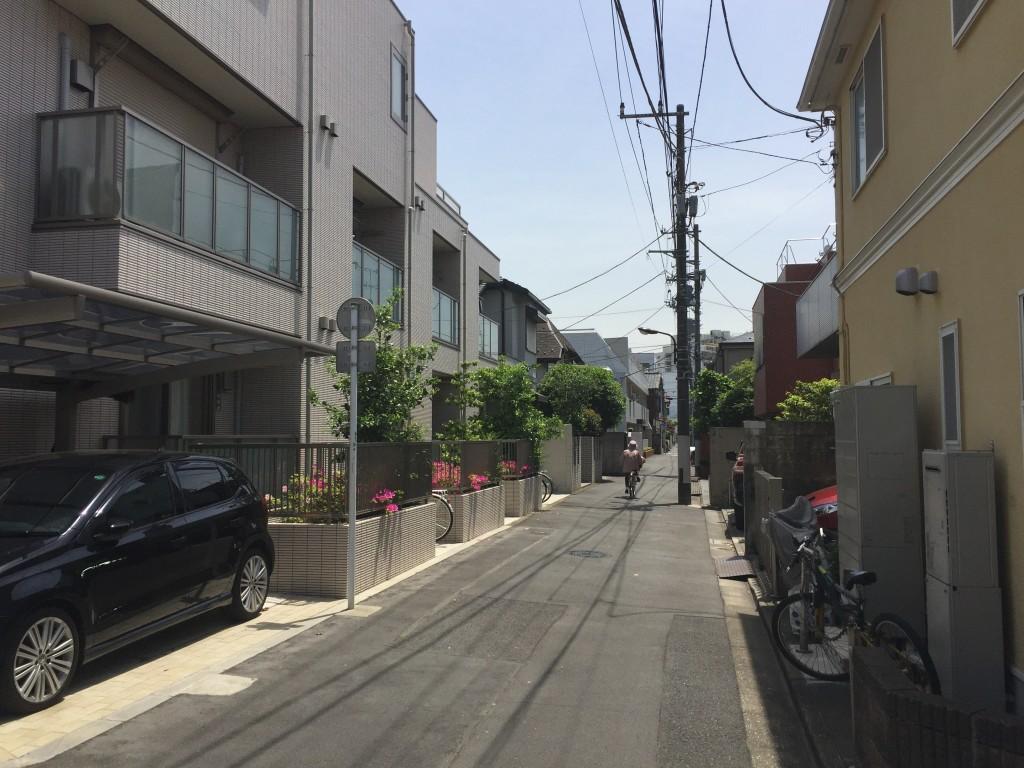 閑静な住宅街の風景
