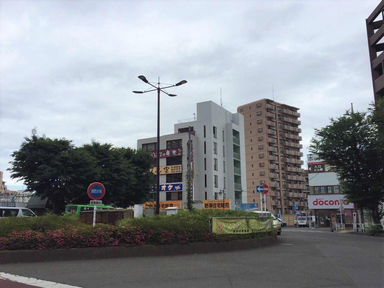駅前ロータリーの風景