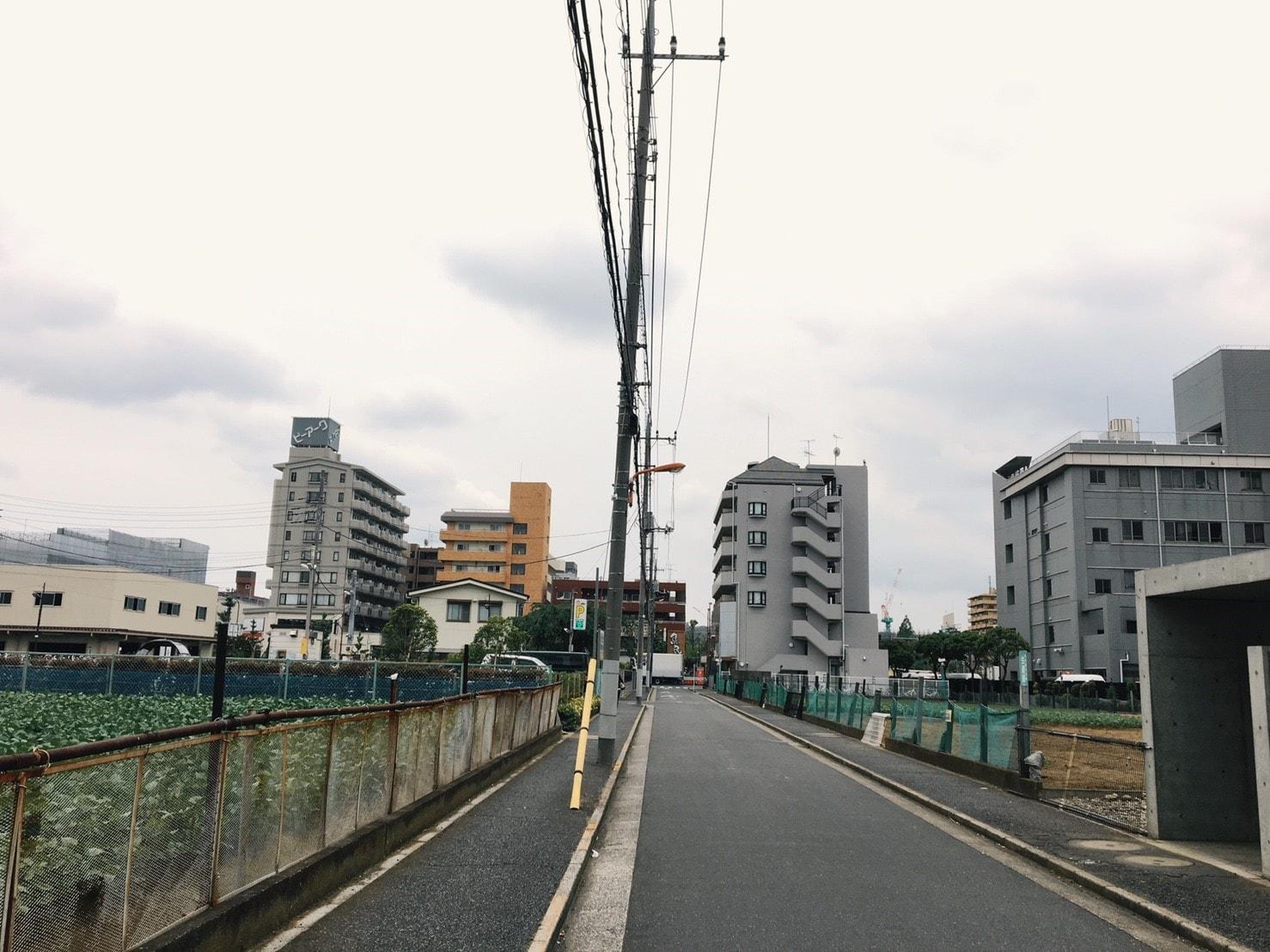 北綾瀬駅周辺の住宅街(畑)
