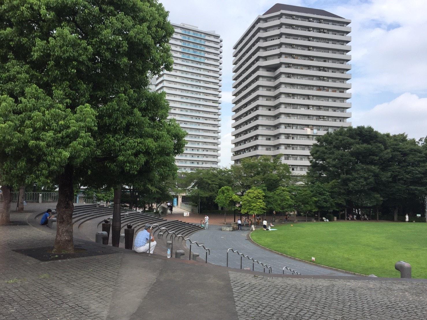 高層マンションが建ち並ぶ駅前