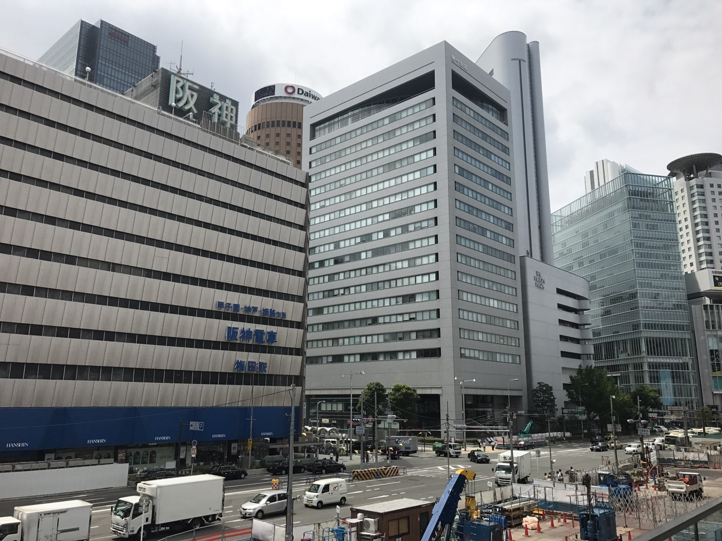 阪神梅田駅周辺の様子