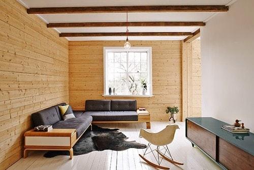 背の低い家具を配置している部屋