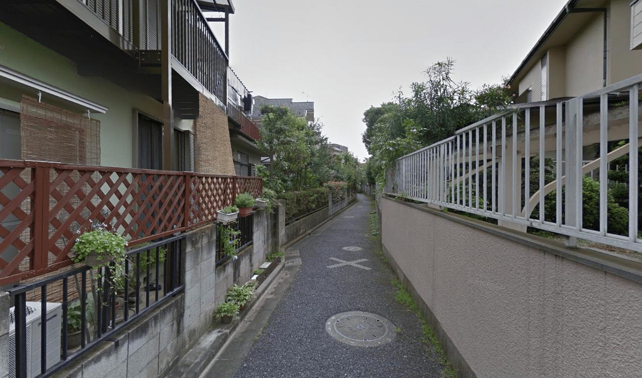 街灯が少ない住宅街