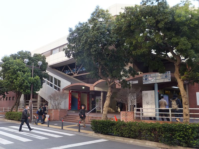 関内駅北口の様子