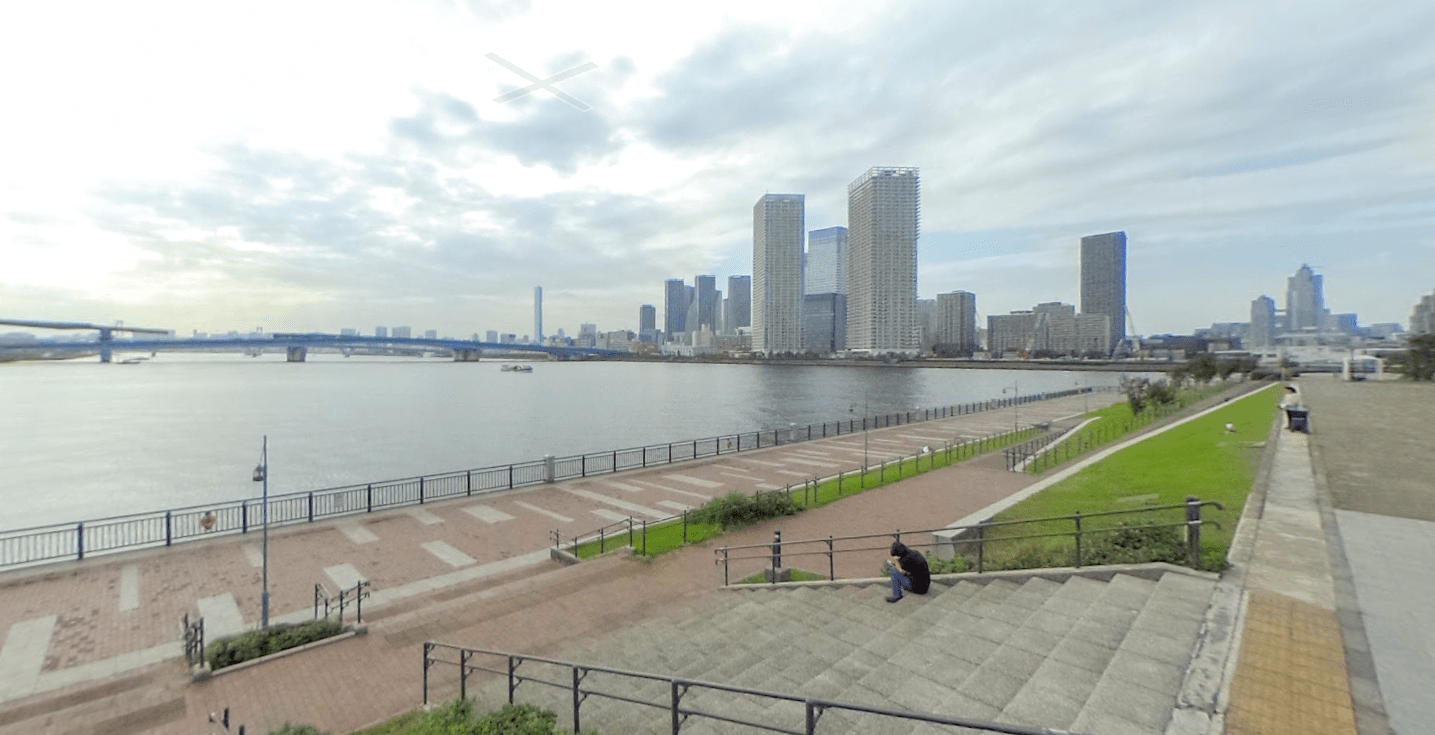 運河が近い豊洲公園