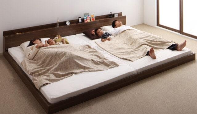 団らんを楽しむベッドルーム