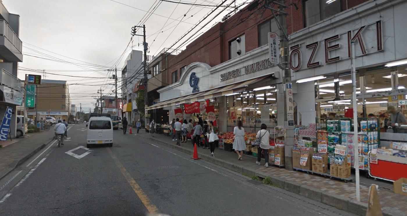 西側の街並み
