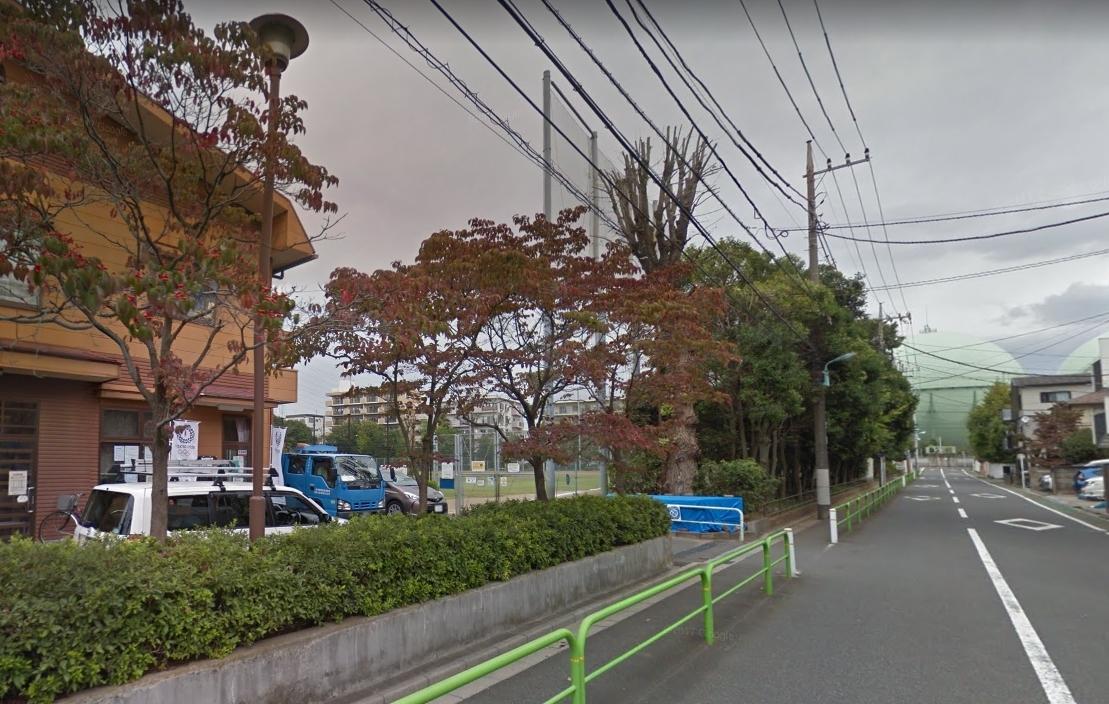 街路樹のある住宅街