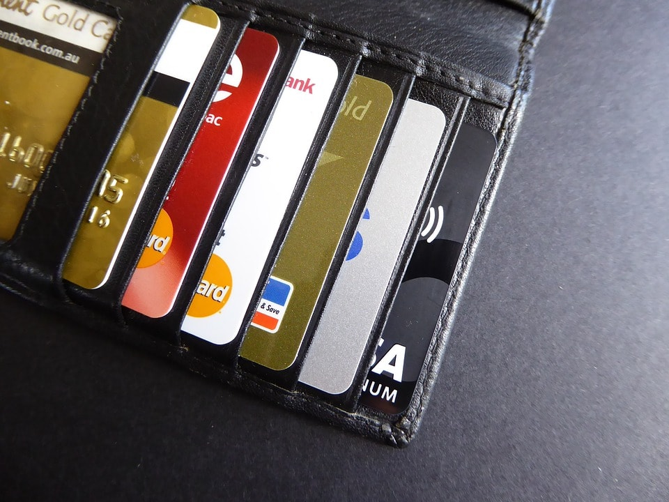 財布の中のクレジットカード