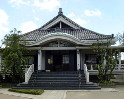 厳正寺の正面