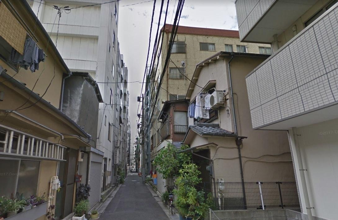 古い建物が多い住宅街