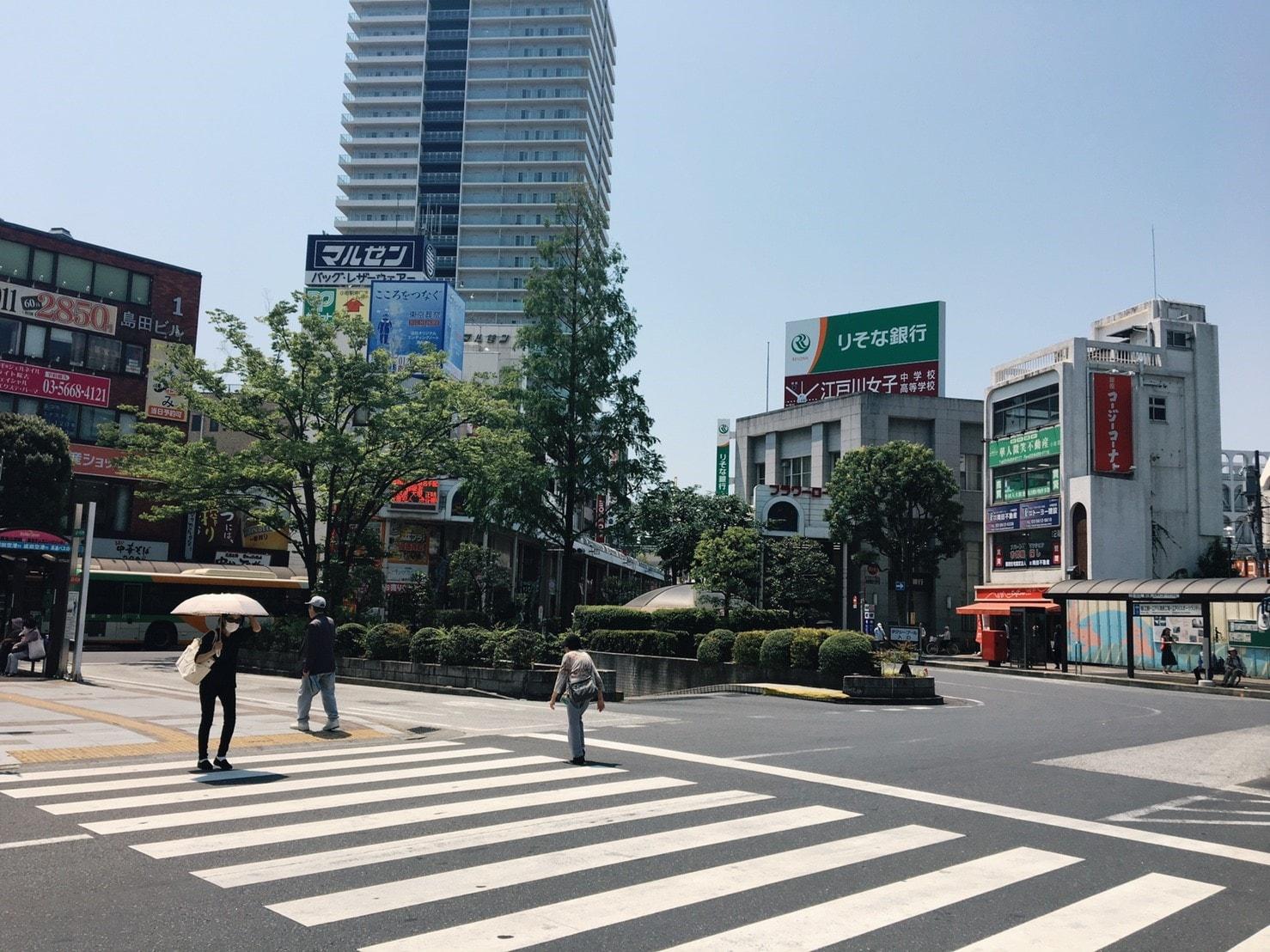 小岩駅南口の駅前の景色