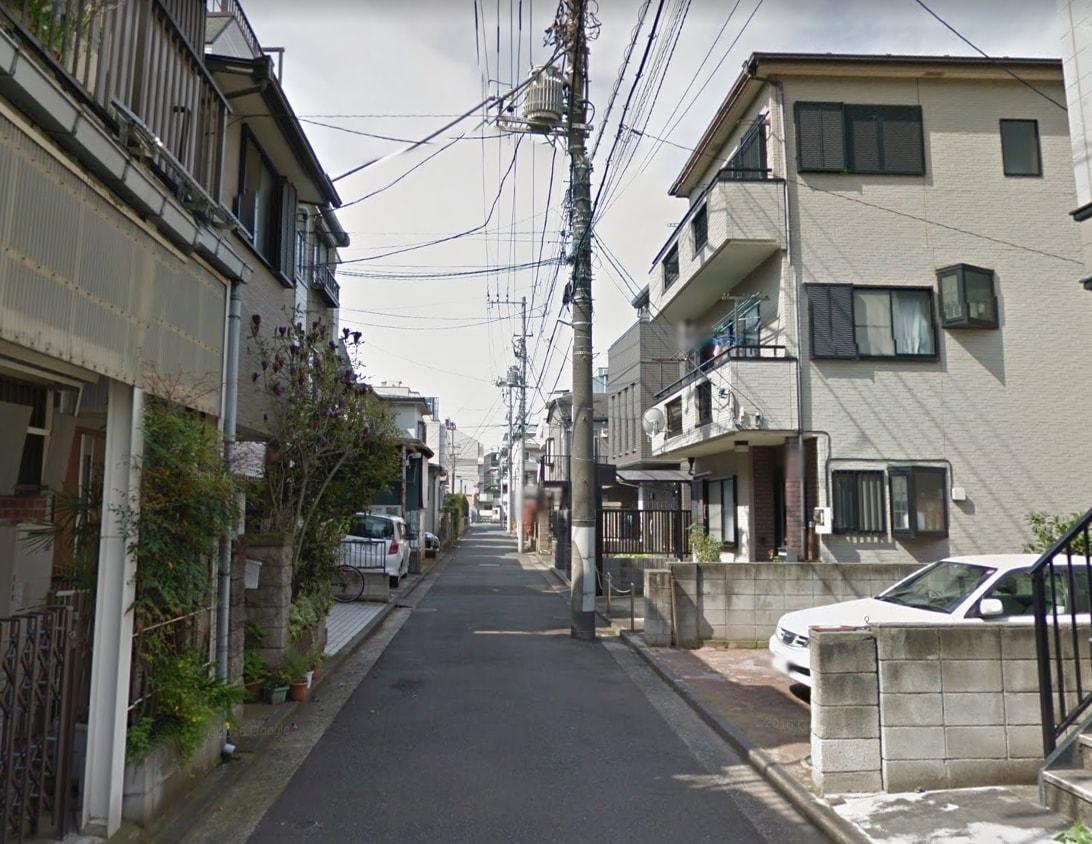 岡野町の住宅街