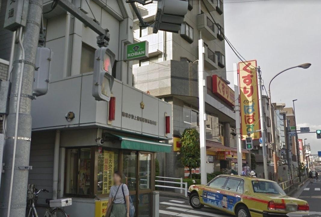 駅前の大通り