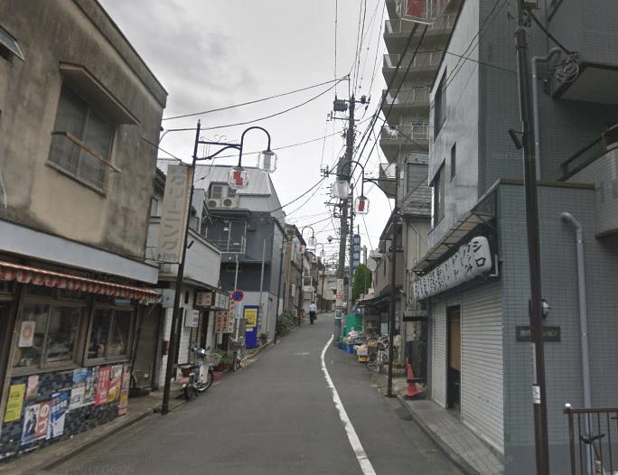 商店街の坂道
