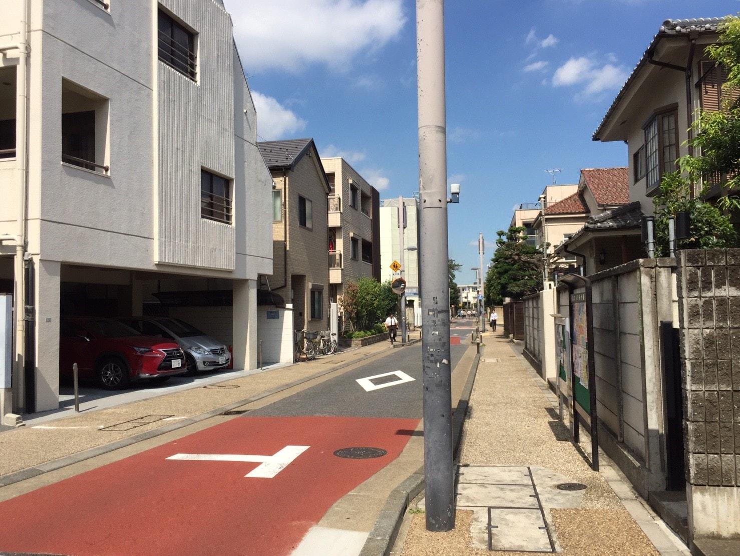 千駄木駅から少し離れた住宅街