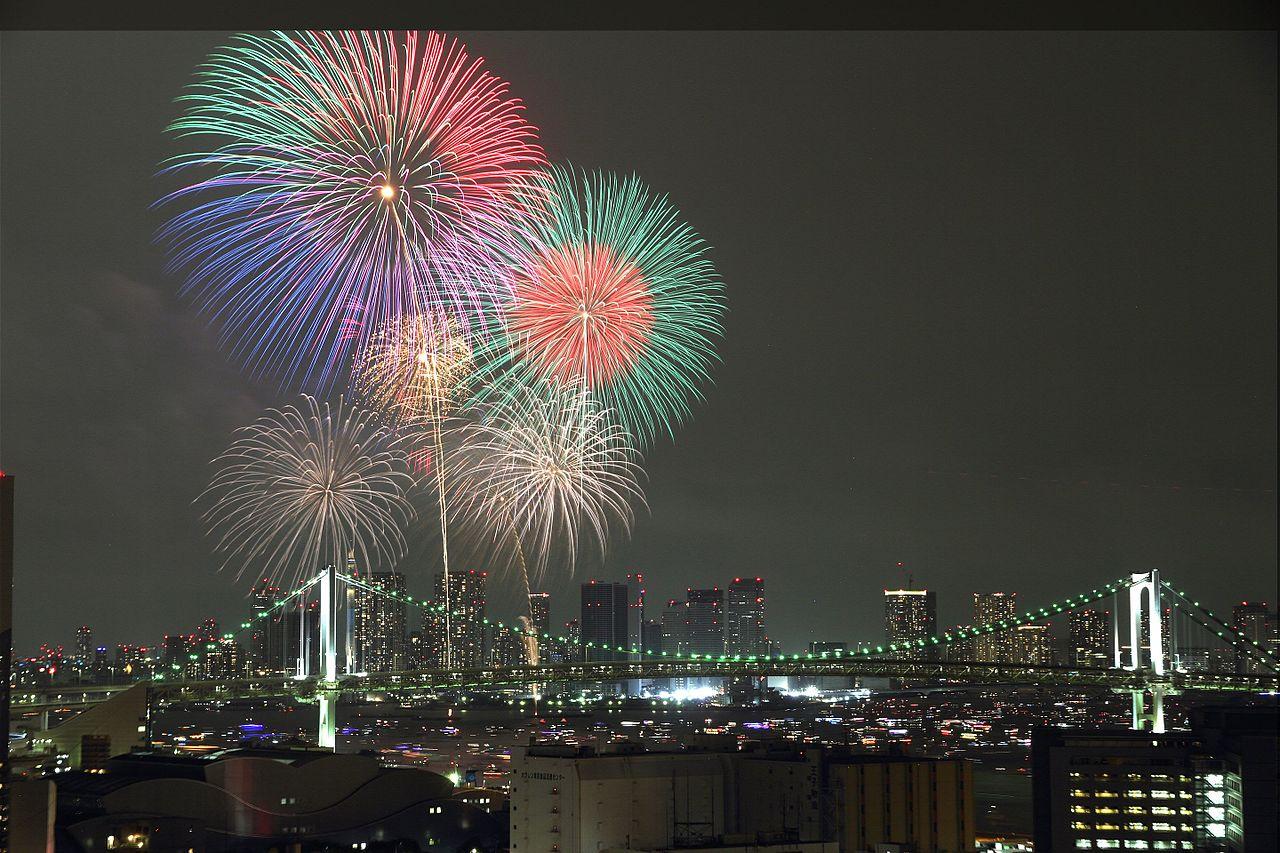 大迫力の東京湾大華火祭