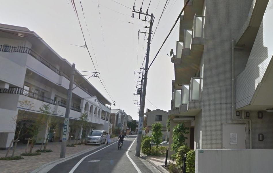 大通りから外れた住宅街