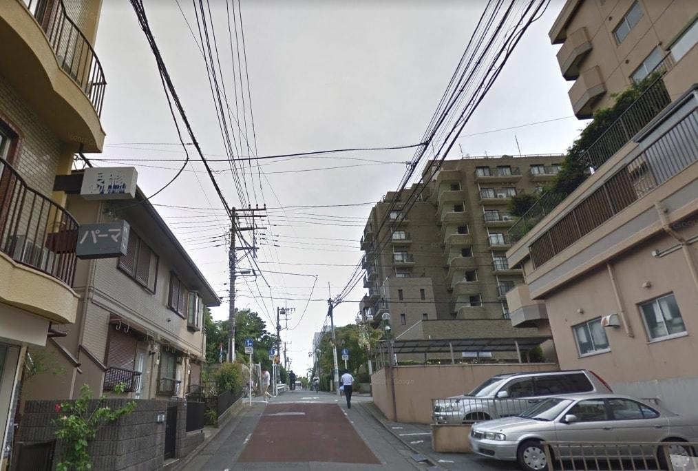 大通り裏の住宅街