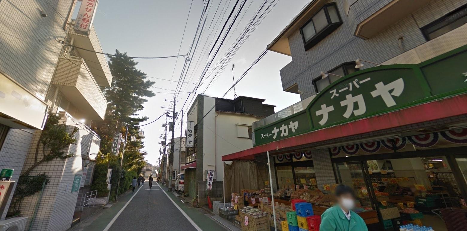 住宅街のお店