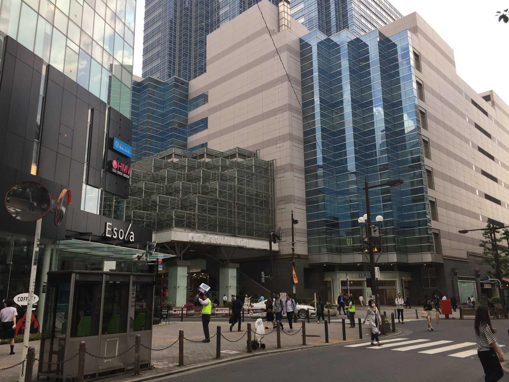 駅前の商業施設