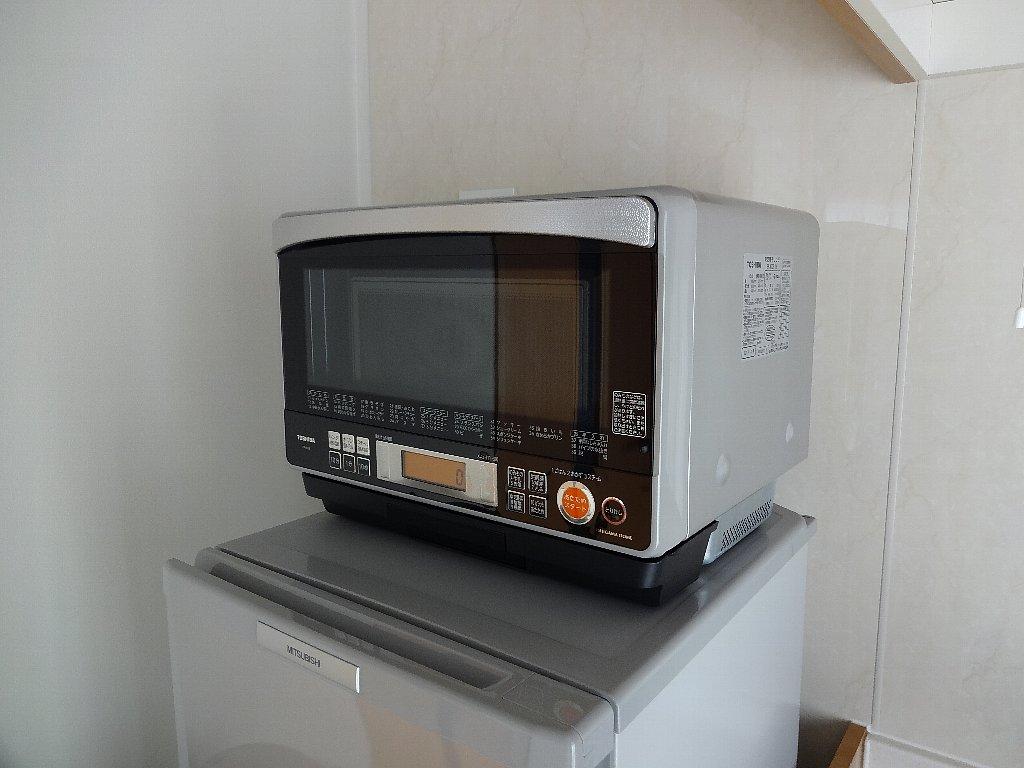 耐熱トップテーブルの冷蔵庫