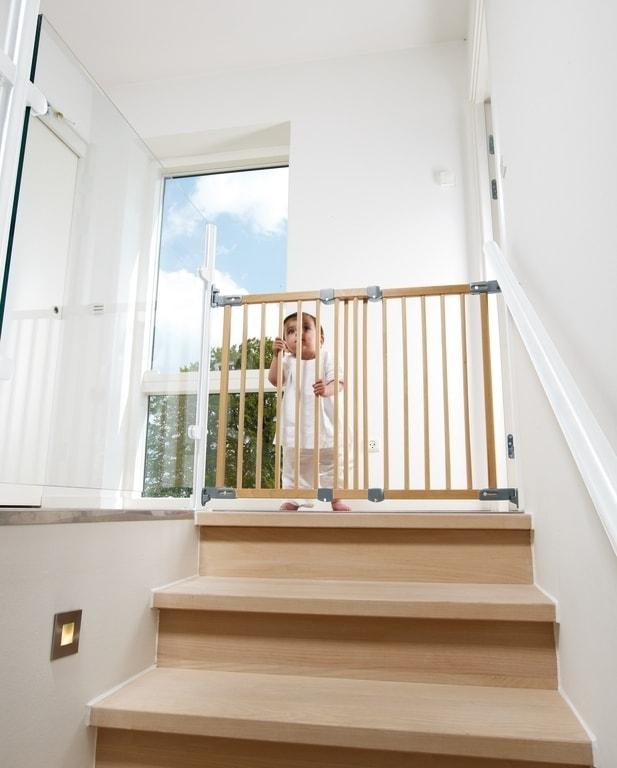 階段のベビーゲート