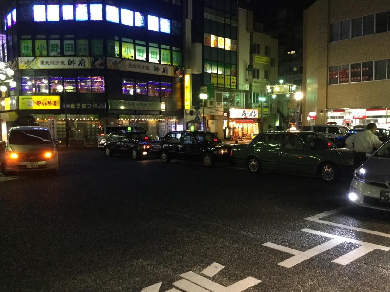 西川口西口夜のタクシープール