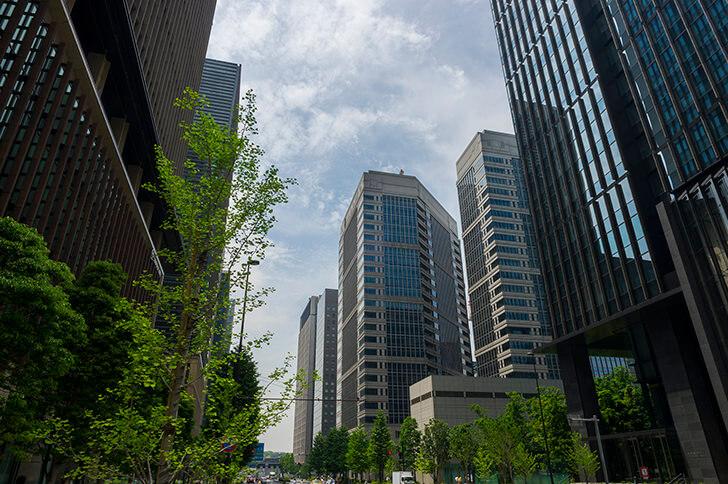 タワーマンションと高層ビル