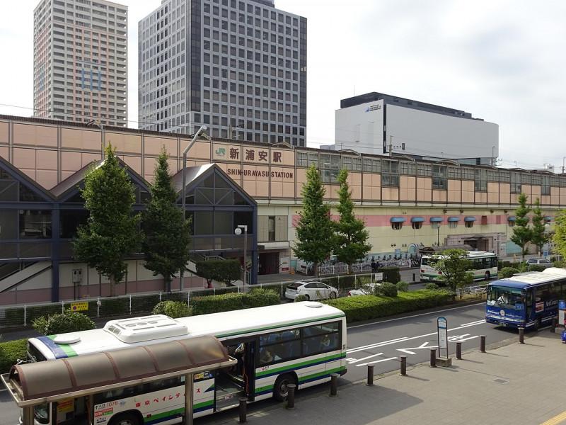 新浦安駅の街並み