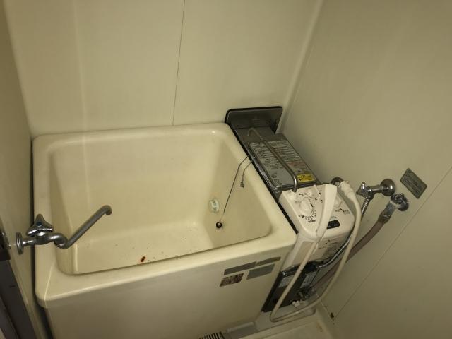 バランス釜がある浴室