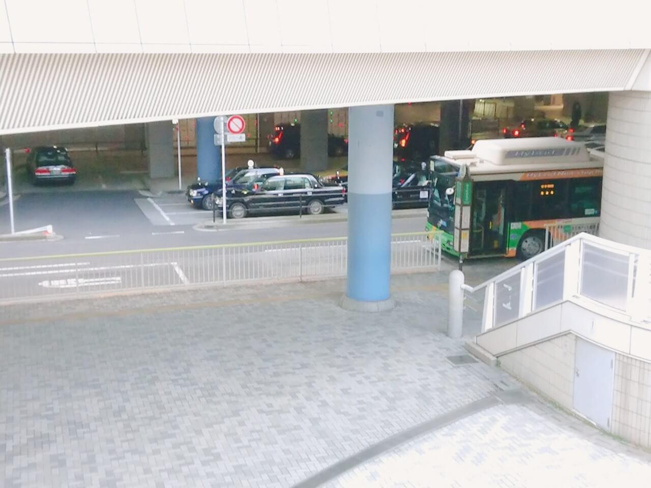 品川駅のバス乗り場とタクシープール