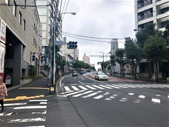 荻窪駅北口 青梅街道