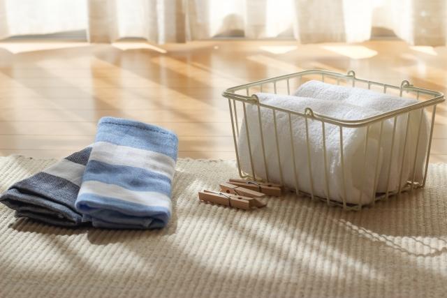 畳の上の洗濯物