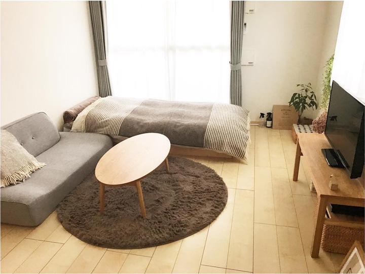 家具の背を低くしてシンプルにまとめたレイアウト