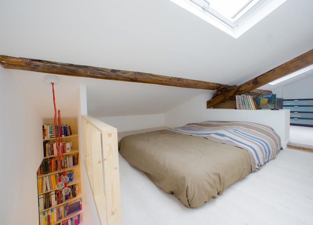 ロフトを寝室として使う写真