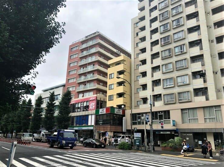 東高円寺駅の街並み