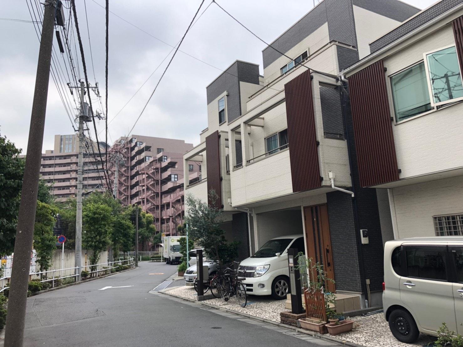 帝京中学校・帝京高等学校の近くの住宅