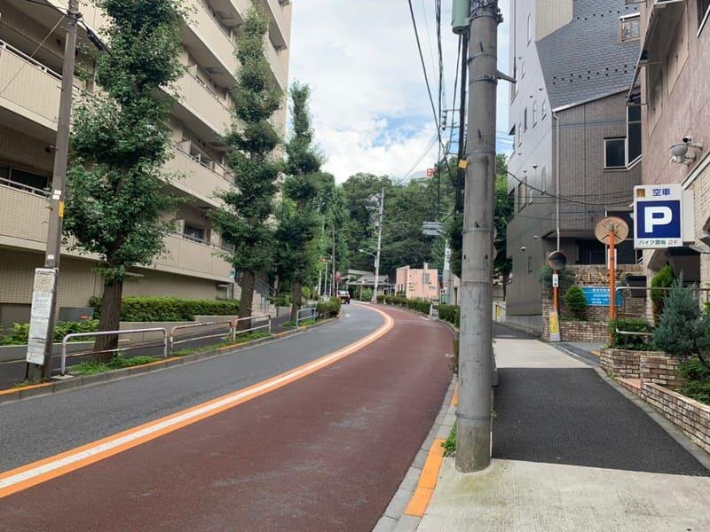駅南側の車道
