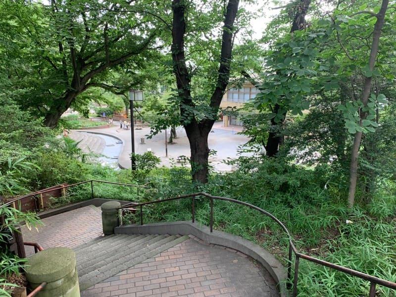 見次公園の入り口