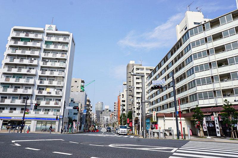 東京スカイツリー駅前の交差点