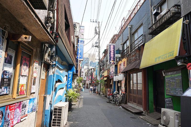 北千住駅前の風俗街