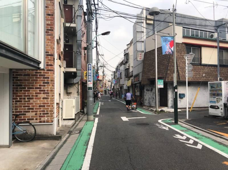 経堂駅へ続く道